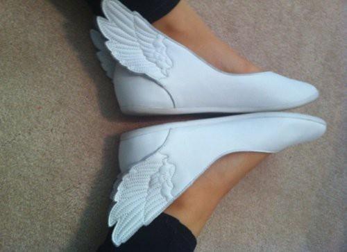 zapatos con alas