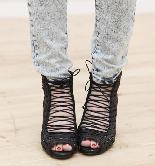 zapatos mujer agujeta