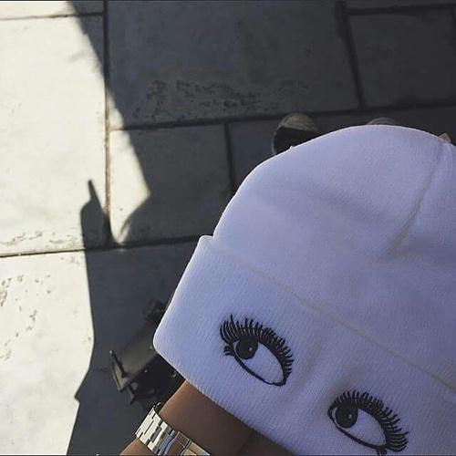 beanie ojos