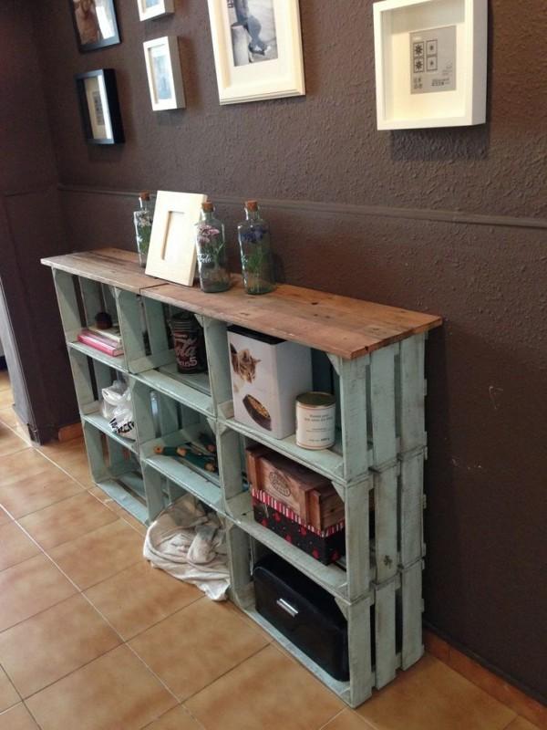 16 creativas maneras de decorar con cajas de madera - Decorar cajas de fruta de madera ...