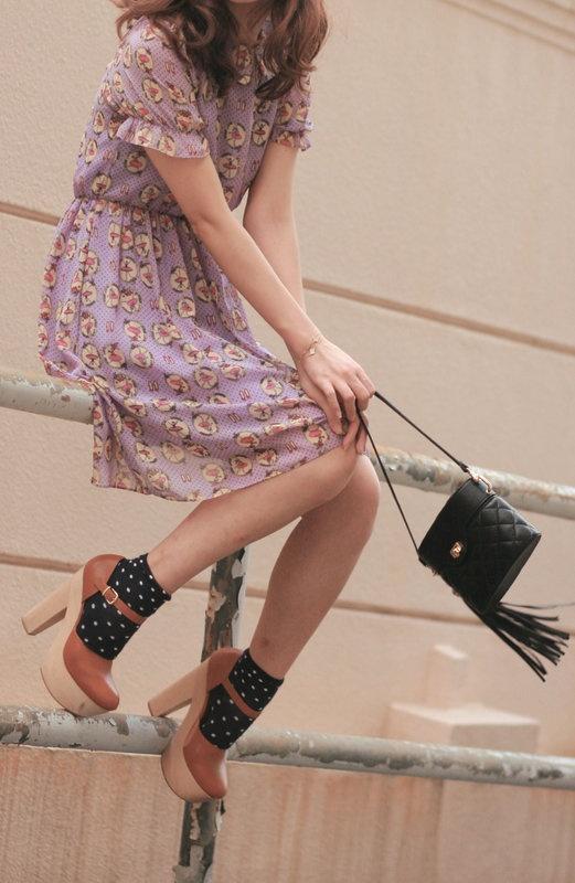 calcetines con vestido