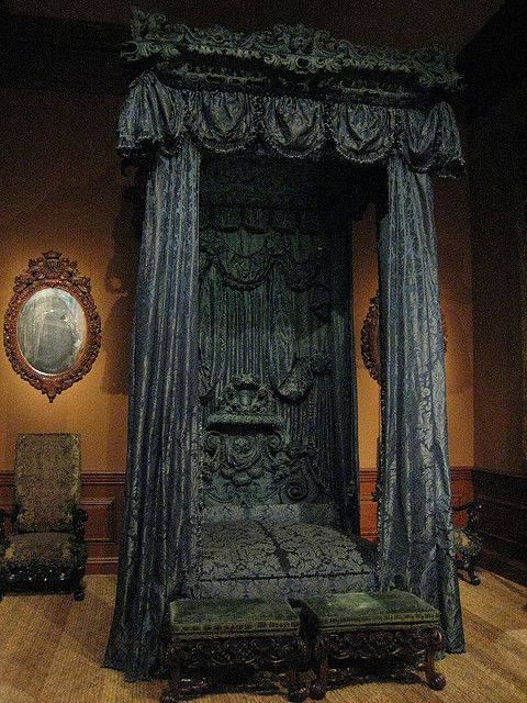 20 curiosidades que convertir n tu habitaci n en un for Cama gotica