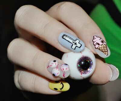 gothpastel nails