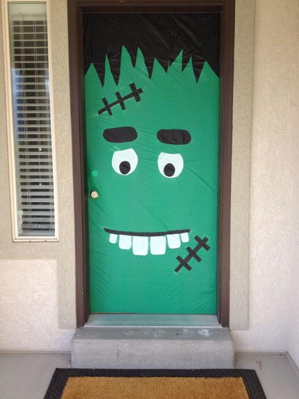 13 ideas para convertir tu puerta en un aterrador monstruo Halloween Candy Clip Art Halloween Candy Clip Art