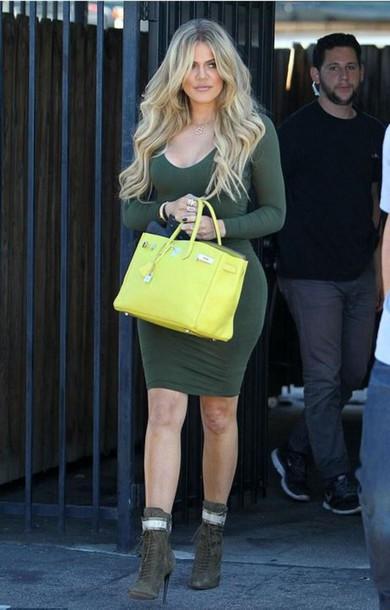 kardashian vestido manga larga