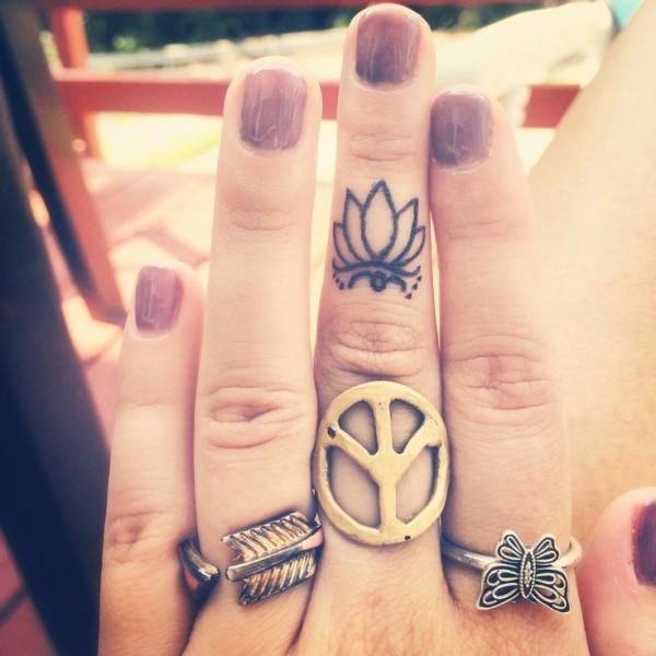 lotus tatuaje