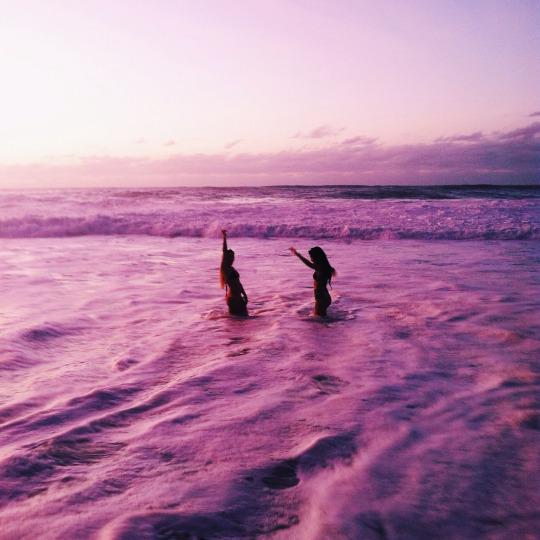 mejor amiga en la playa