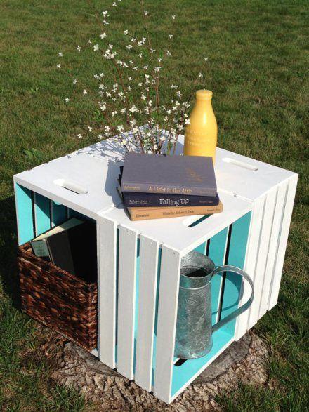16 creativas maneras de decorar con cajas de madera - Jardines decorados con madera ...
