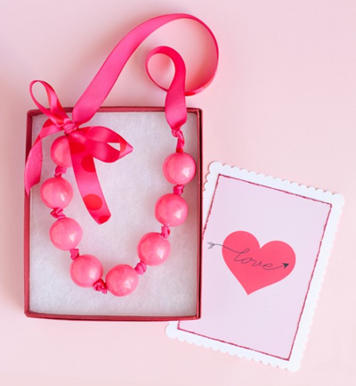necklace favour