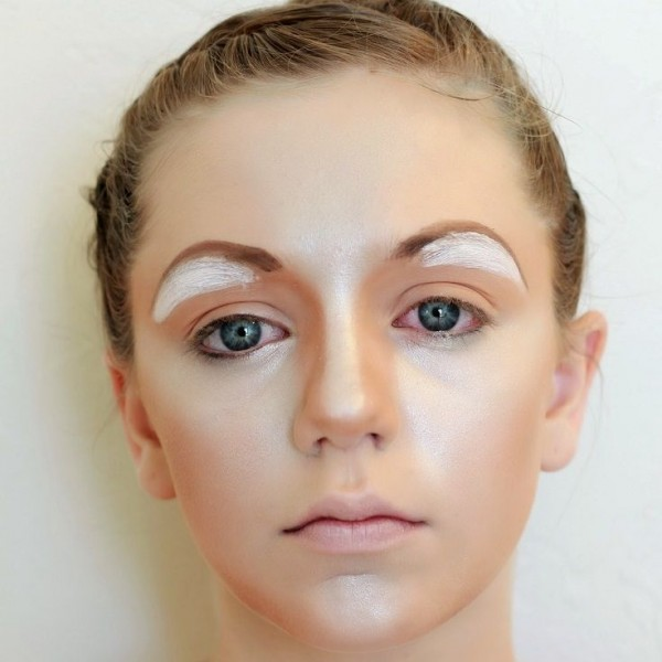 Half-Circle Eyebrows