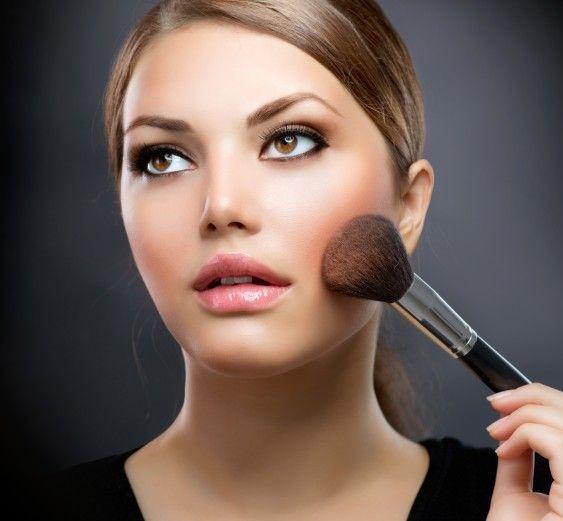 45ff7ca6b1 5 Tips de maquillaje perfectos para chicas con cachetes - TKM México
