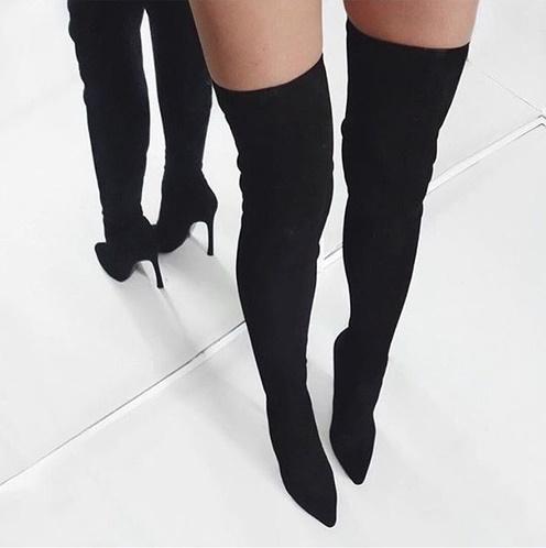 botas a la rodilla