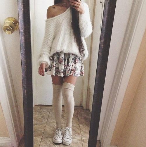 calcetas a la rodilla falda