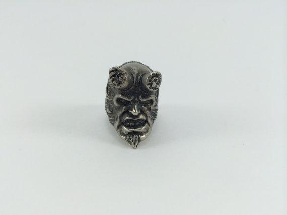 hellboy ring