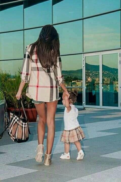 hija y mama vestidas igual