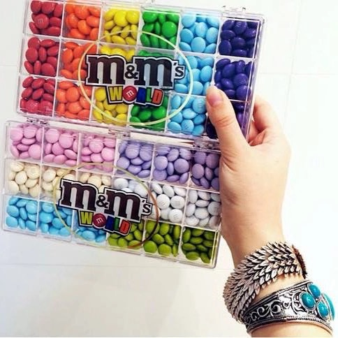 m&m gift