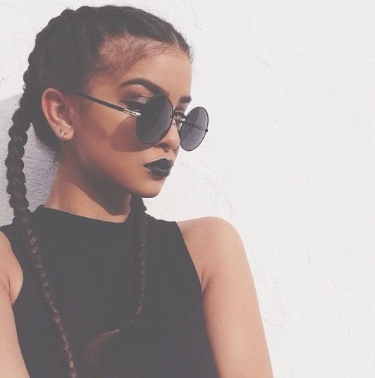 morenas lipstick negro
