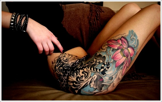 muslos tatuaje