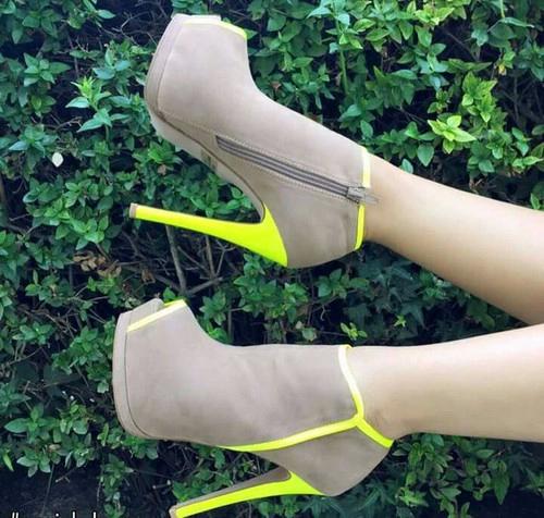neon zapatos
