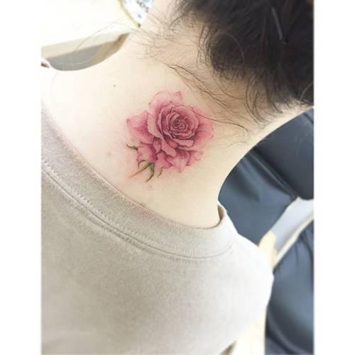 Mejores Tatuajes Con Tinta Blanca 30 tatuajes femeninos para tu cuello
