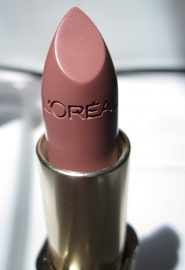 L'Oréal Paris Colour Riche Lipstick in Fairest Nude
