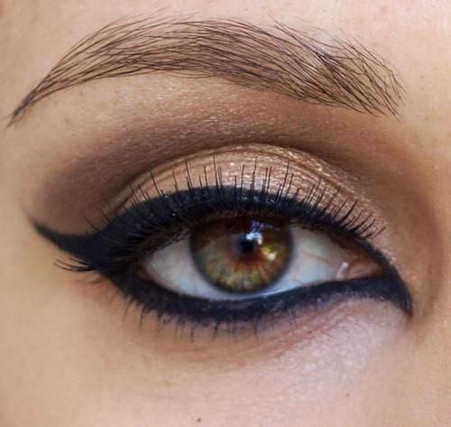 egyptian eyeliner