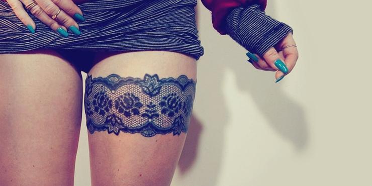 586ca1298 Tatuajes de ligueros súper lindos para tus piernas