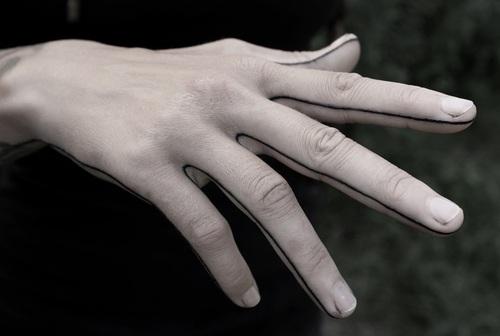 manos lineas tatuajes