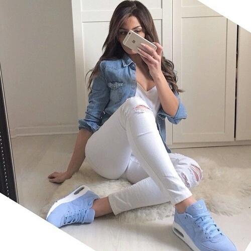 pantalones blancos outfit