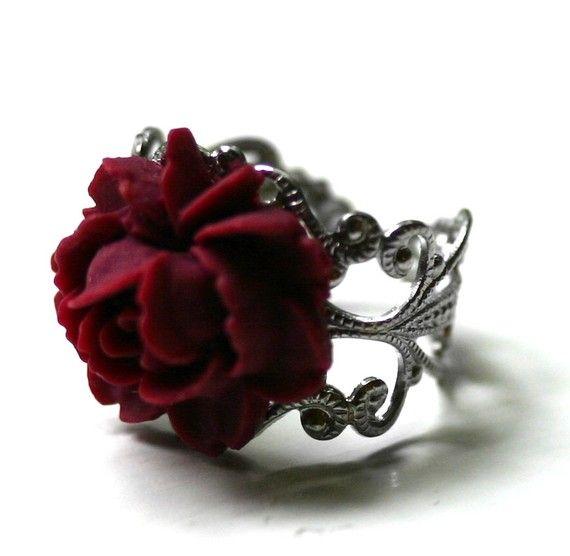 rosa roja anillo