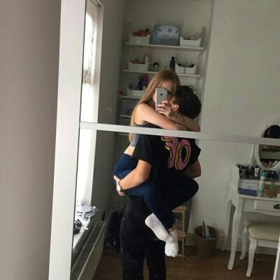 selfie abrazo