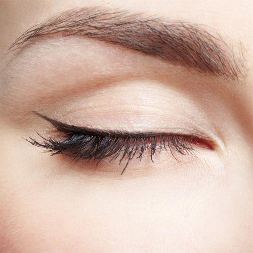 simple eyeliner