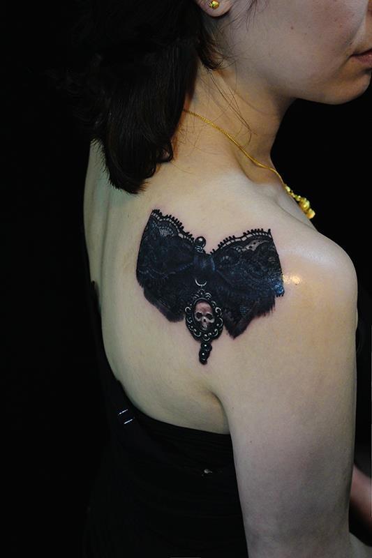 tatuaje encaje
