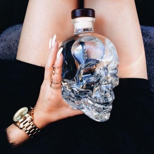 transparentes botella alcohol