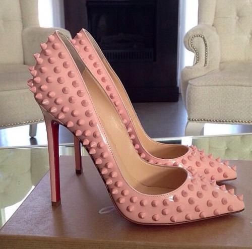 zapatos louboutins