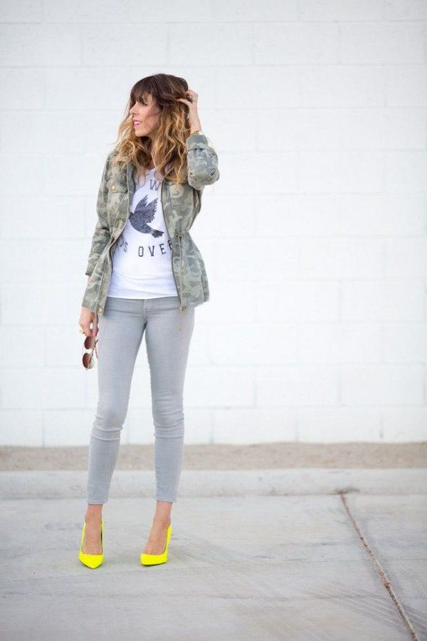 6ab4142879 ... 16 Cool Outfits With Grey Skinny Jeans For This Fall Styleoholic waysify.  Un outfit muy casual y femenino.