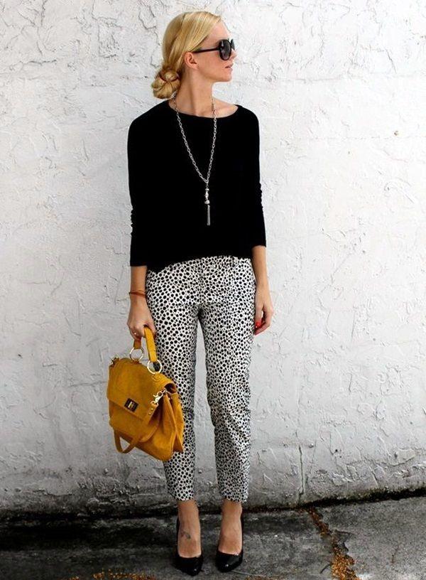 Los jeans también pueden formar parte de tu look formal. Elige unos  oscuros c7137c6fb
