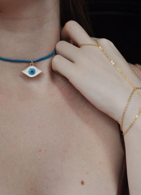 ojo collar