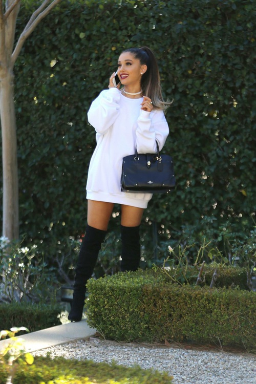 ariana outfit