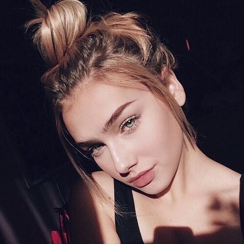 bun selfie
