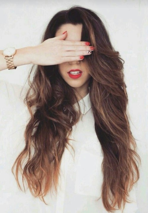 15 Poses para selfies en donde tu cabello será el protagonista