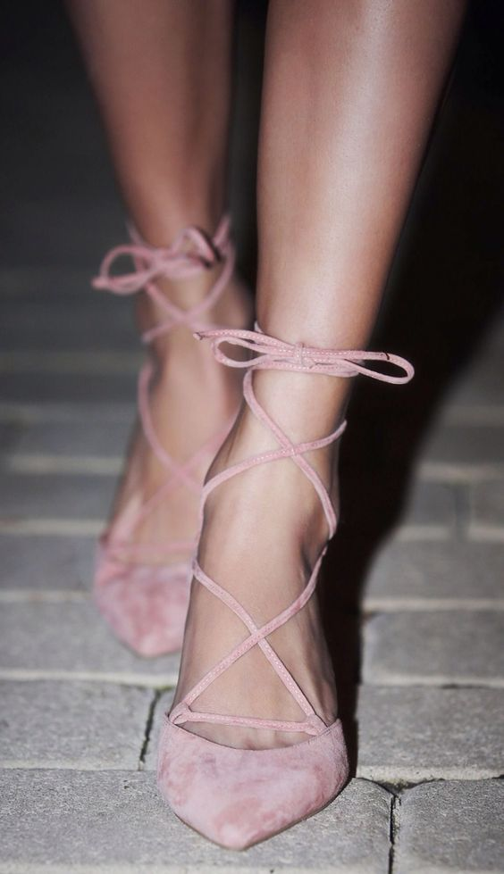 Zapatos de piso para vestidos cortos