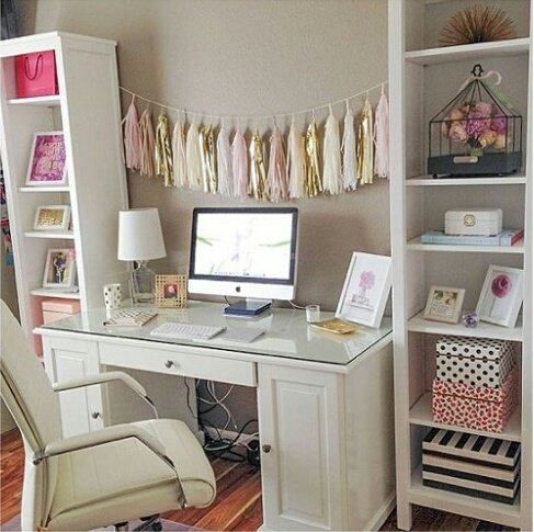 16 ideas para darle un look s per chic a tu escritorio for Escritorios homecenter