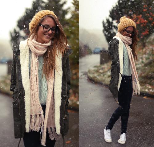 Outfits para integrar a tu bufanda en du00edas de fru00edo