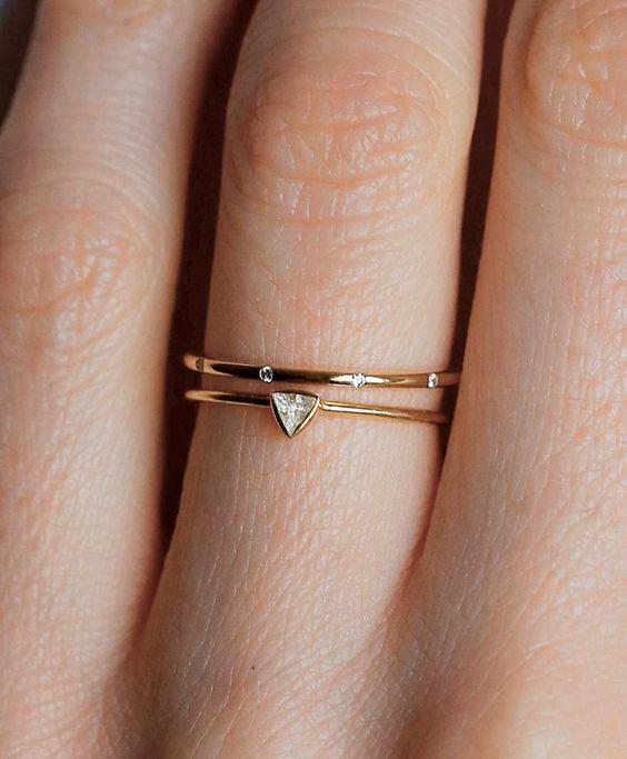 anillo triangular