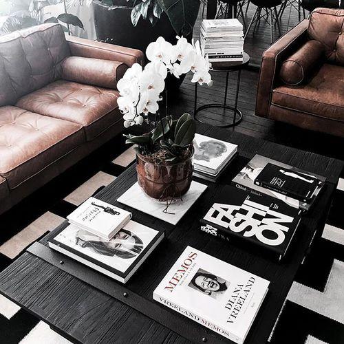 decoracion libros mesa