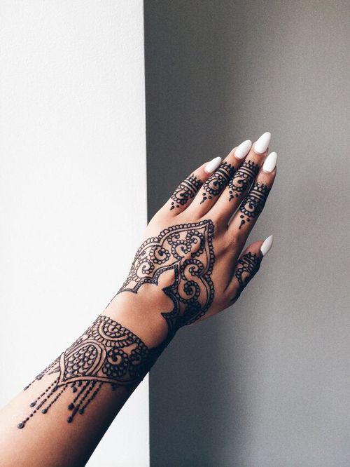 15 bell simos tatuajes de henna para tus manos for Henna para manos
