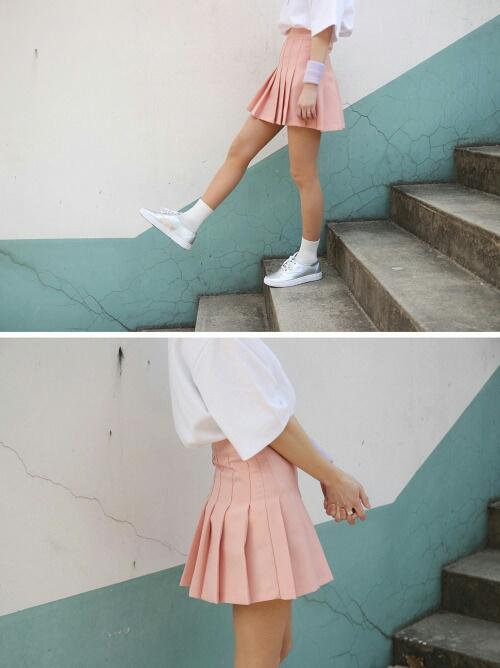 falda y calcetas