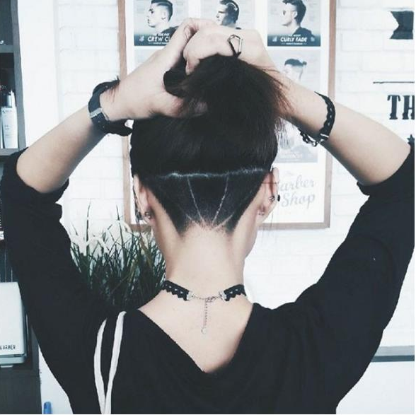 girls undercut