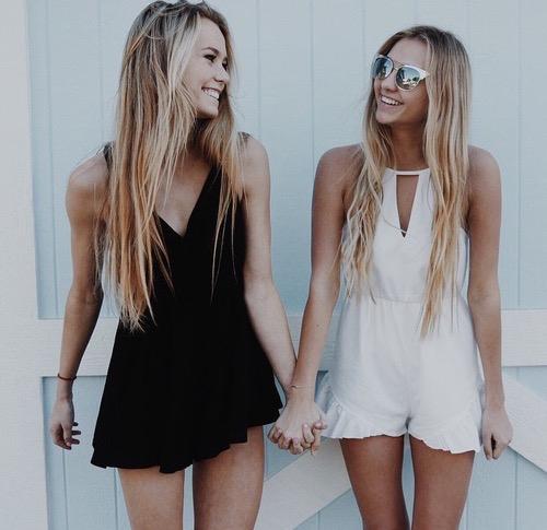 20 Beach Blonde Hair Ideas From Instagram: Outfits Para Combinar Con Tu Mejor Amiga